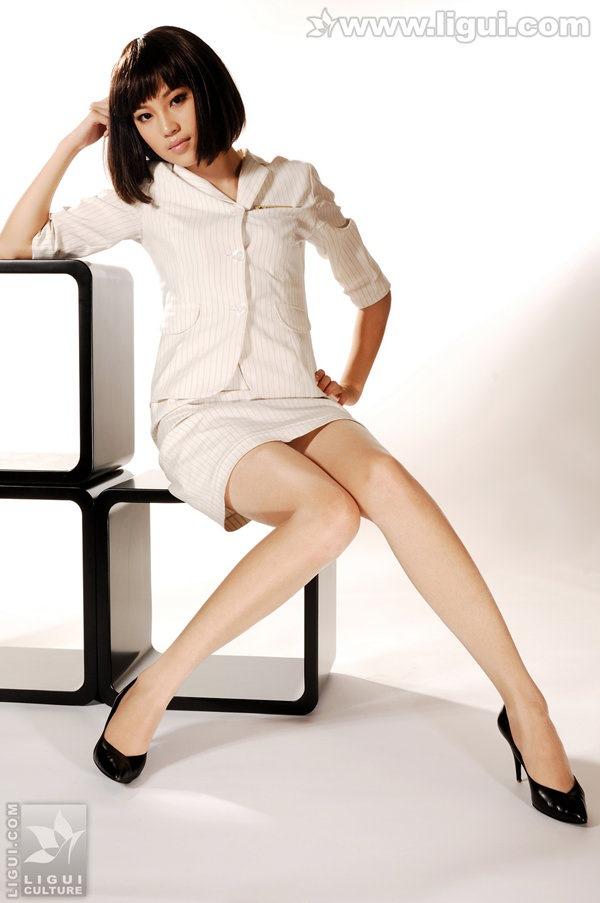 [Ligui丽柜]2009.07.20 左左玉足丝袜风情万种 Model 左左[47P/26.8M]
